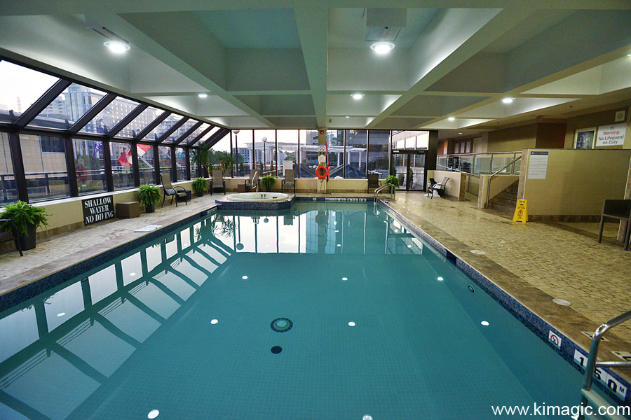 Hamilton Sheraton swimming pool