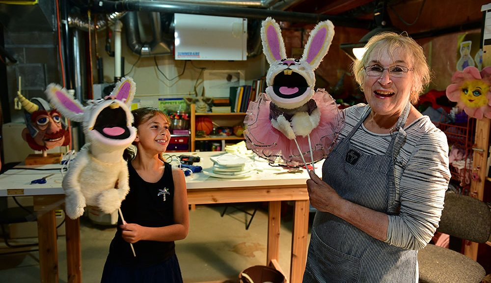 Noreen Young Puppets making children's workshop